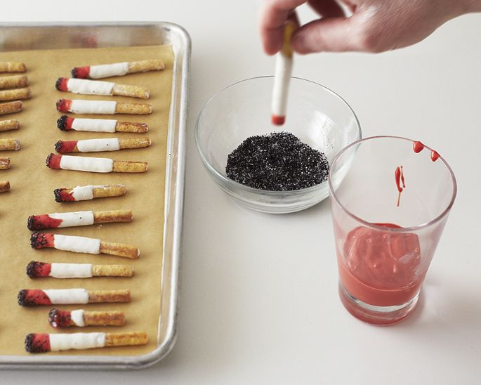 How to Make Edible Cigarettes and Ashes | CAKEGIRLS