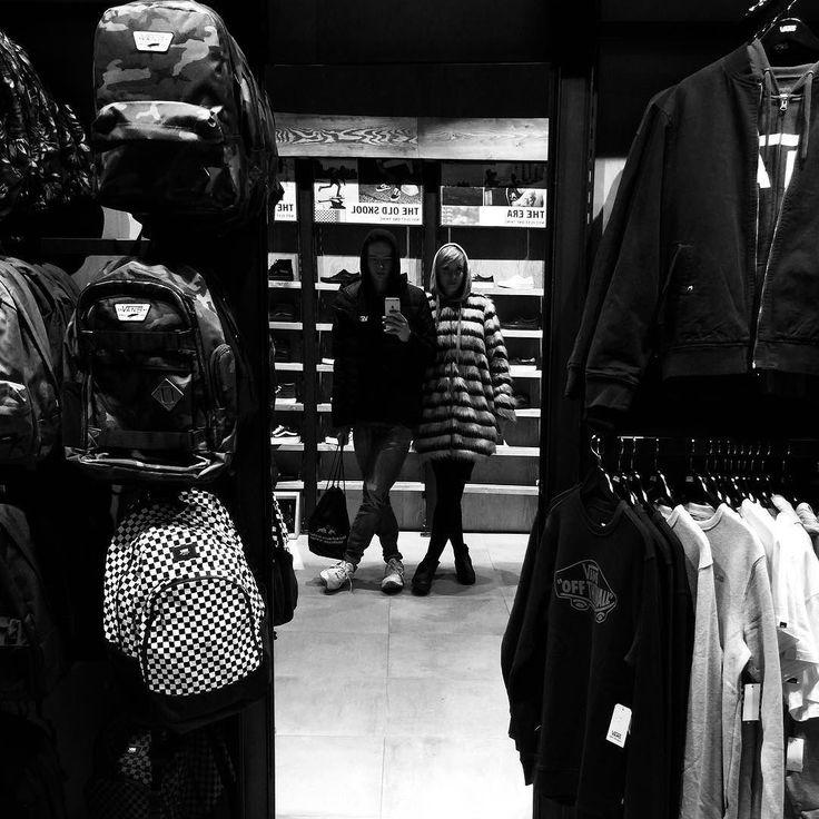  HIGH SOCIETY  #saturday #warsaw #vsco #vscocam #shopping #men #women #hoodie #iphone #niemali #ludzie #wzrost #się #zgadza