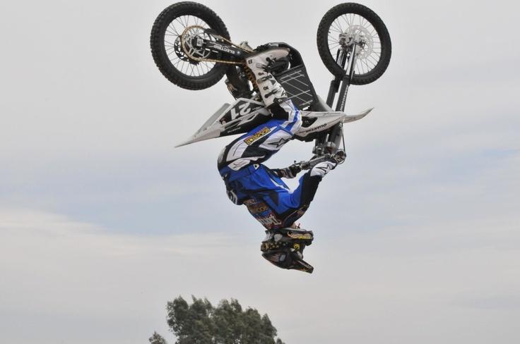 dirt bike trick | Cool bike tricks | Pinterest | Motorcycles, Dirt ...