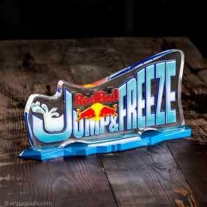 Логотип ивента Jump&Freeze застывший в куске льда, эксклюзивные технологии только в лаборатории предметного дизайна art.nagrada.ua
