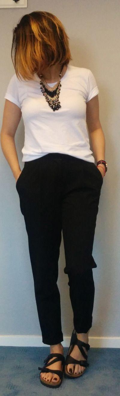 giselleroxane is wearing: New Look pleated pants, Birkenstock Salina.