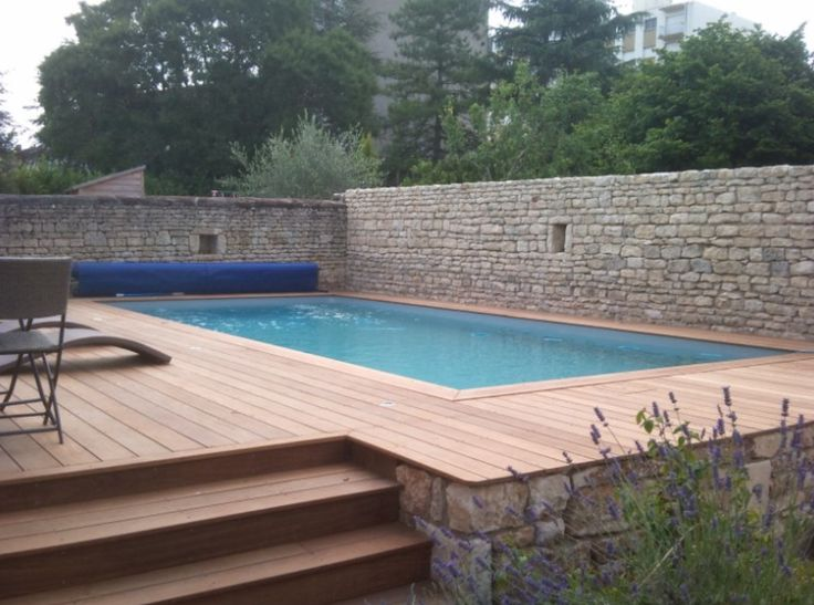 piscine semi enterr e bois et pierre piscine pinterest piscine semi enterree enterr et. Black Bedroom Furniture Sets. Home Design Ideas
