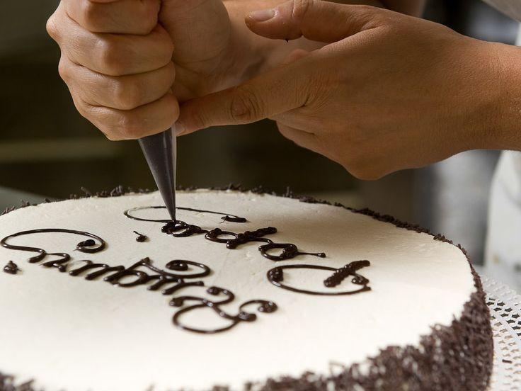 Writing on a cake ....