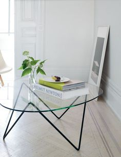 See more table and furniture inspiration for your interior design project! Look for more midcentury home decor inspirations at http://essentialhome.eu/