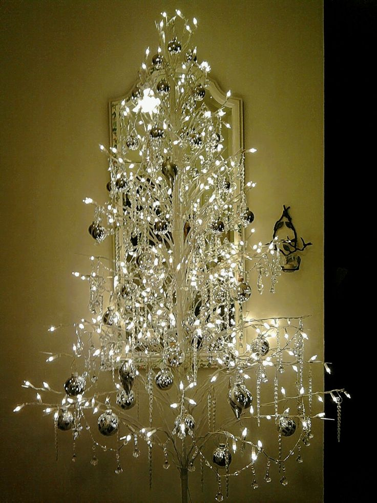 crystal silver christmas tree not my usual taste but this would be very pretty