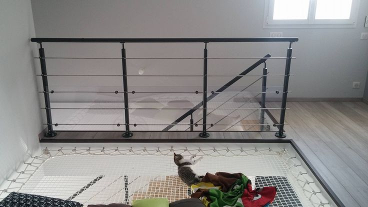 Red para viviendas instalada en un rinconcito. Mallas trenzadas 30 mm  - Realizado por Jump'in Spain a medida