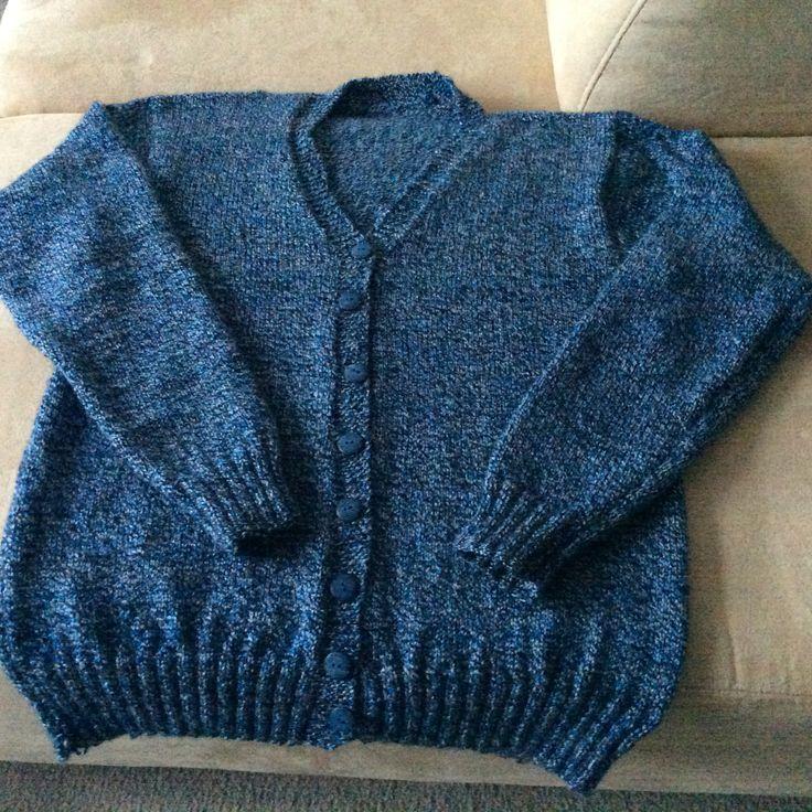 Een lekker warm vest, gemaakt van Botter IJsselmuiden Bergen.  Dit is natuurlijk sokkenwol, maar een vest wordt ook heerlijk warm.