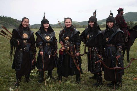 Beautiful Mongolian girl heroes - Live in mongolia -