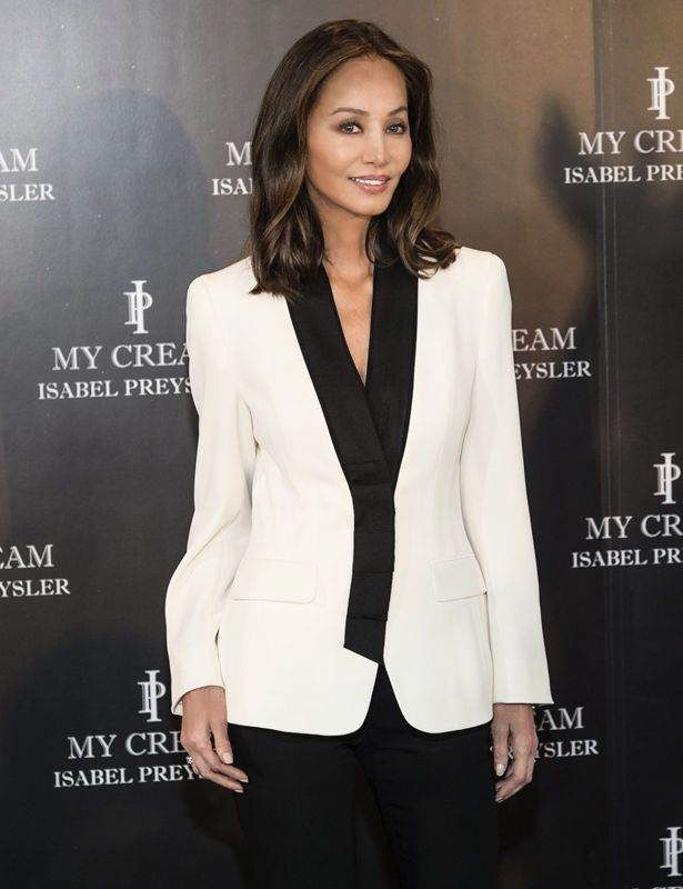 All The Girls Standing In The Line For The Bathroom: 35 Best Isabel Preysler Images On Pinterest