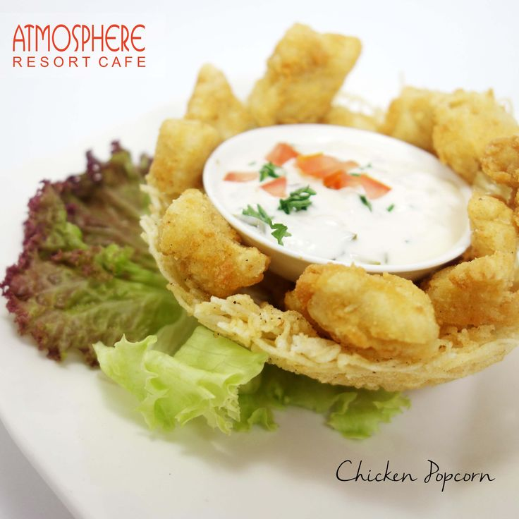 Cubes of chicken breast with tartar sauce