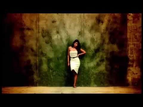 "▶ FLAVIA COELHO ""Sunshine"" (acoustic version) - YouTube"