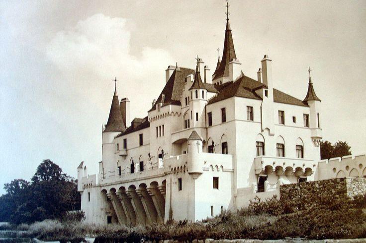 340 migliori immagini american house su pinterest case for Case gotiche vittoriane in vendita