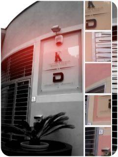 """L'ingresso della nostra """"factory"""". Qui dentro diamo vita alle vostre idee! #DecograficGenova www.decografic.com"""