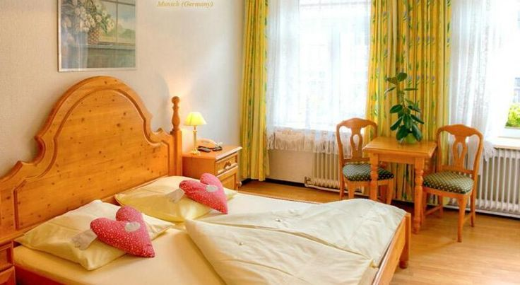 Hotel Atlanta München Just a short walk from the Karlsplatz square and Frauenkirche church with its famous Glockenspiel chime, this 2-star hotel in central Munich offers excellent transport links and free Wi-Fi.