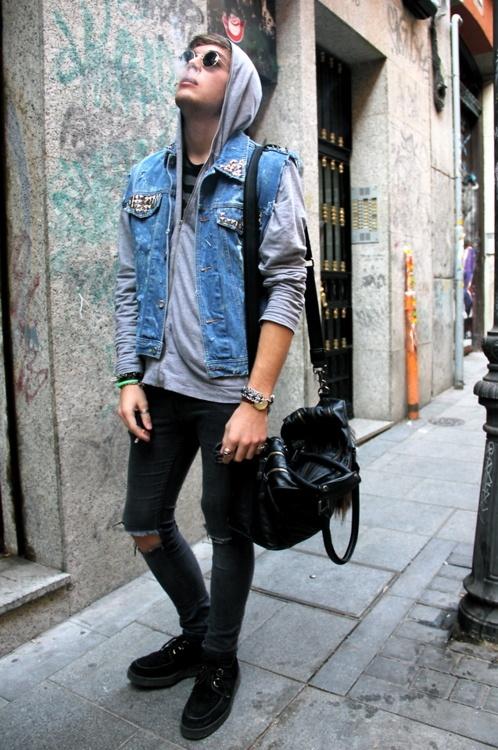 studded vest and round sunglasses , love ! #fashion #men