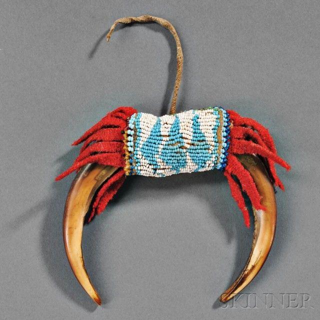 plains grizzly bear claw amulet sale number 2879b lot. Black Bedroom Furniture Sets. Home Design Ideas