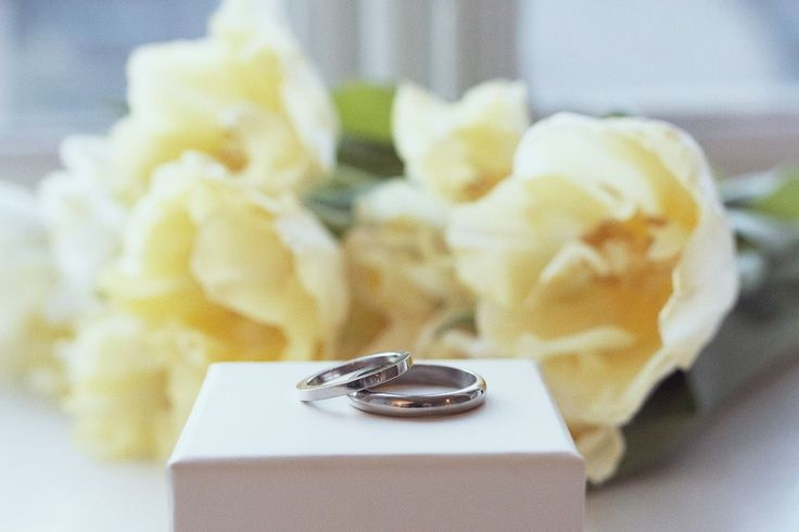 Simple style white gold engagement rings by Silver theories