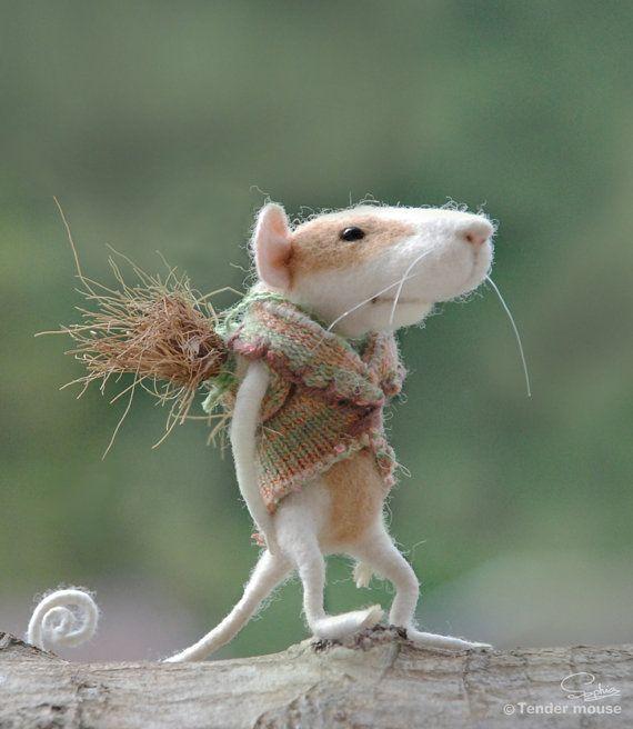 Fairytale mousedolls & miniaturesneedle mousefairy by TenderMouse