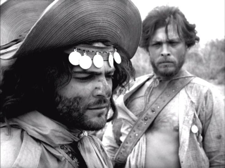 Corisco e Manuel por Othon Bastos e Geraldo Del Rey in 'Deus e o Diabo na Terra do Sol',Glauber Rocha, 1964.