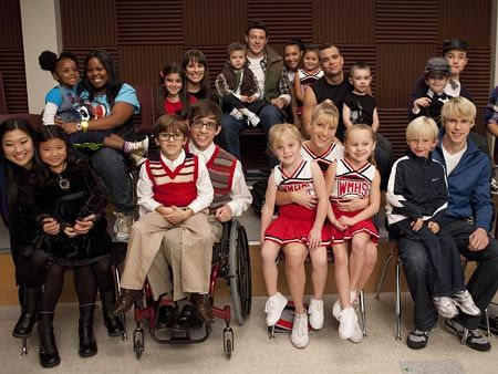 Junior glee cast so cute loooove that episode!!!- Liz 459