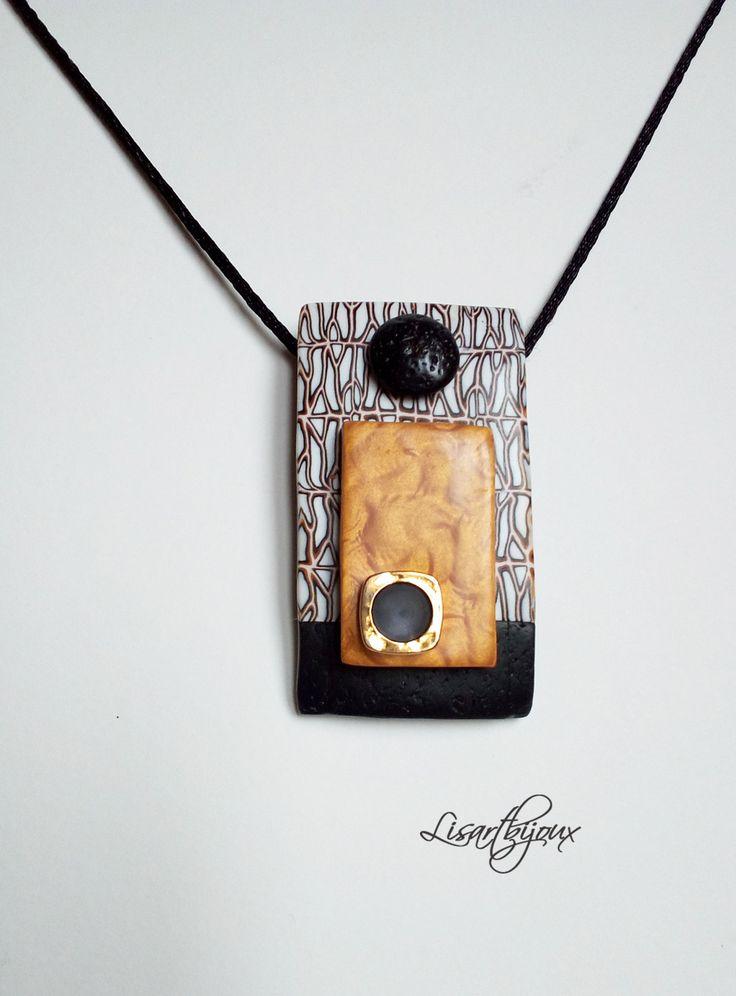 Pendentif rectangulaire en pâte polymère, noir, doré et motif : Pendentif par lisartbijoux
