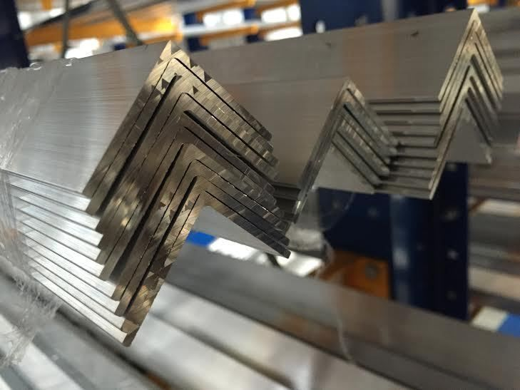 Aluminium Angle 30mm x 30mm x 2mm Length 3000mm