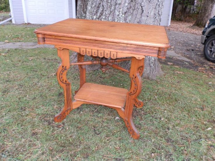 GORGEOUS VICTORIAN SPOON CARVED PARLOUR TABLE | eBay