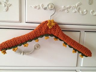 Crocheting On A Hanger : Crochet Hanger Free Pattern.