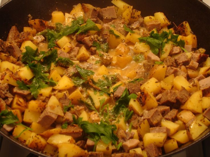 Looking for something to do with left over prime rib?  This is phenomenal!  Roast Beef & Potato Hash