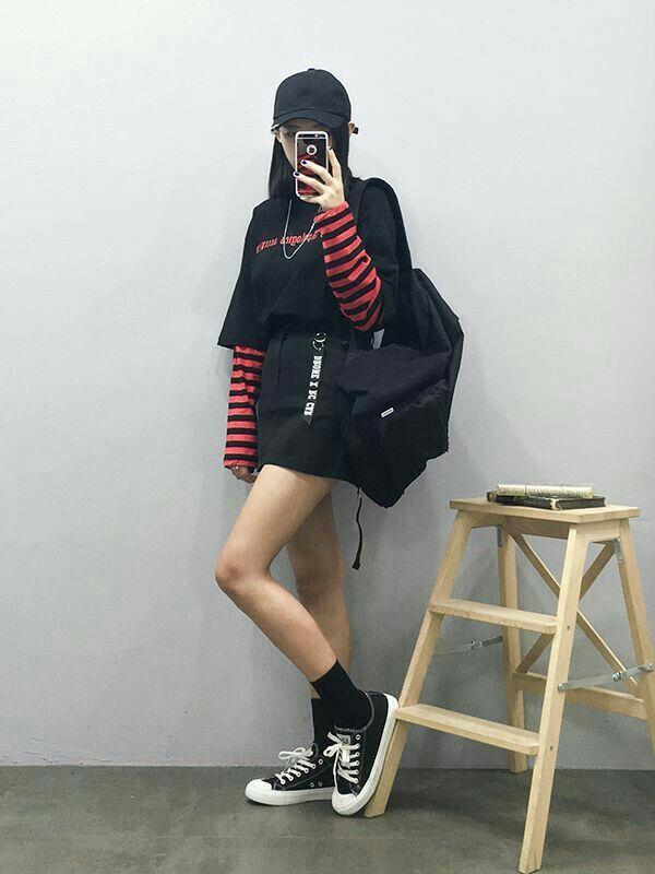 korean fashion street causal black skirt red stripe shirt hat