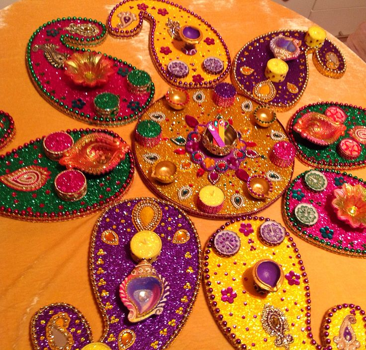 My signature multi coloured mehndi plate set. See my Facebook page www.facebook.com/mehnditraysforfun for more fun ideas and inspiration.