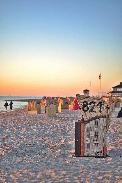 Ostseestrand mit Strandkorb - was sonst?! #familienferien #vamosreisen