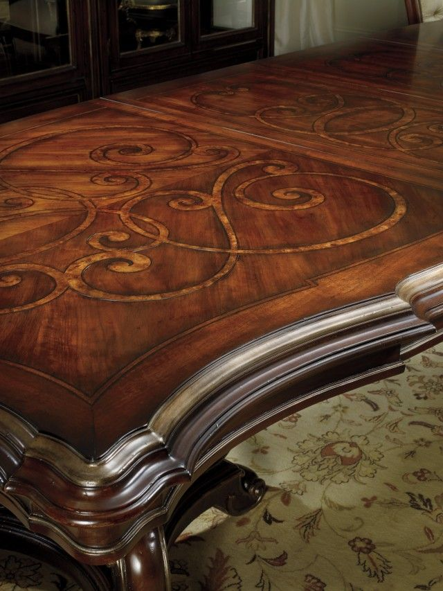 Bentley Collection DIning Table Detail