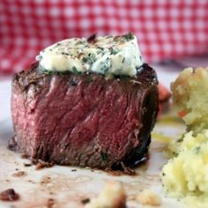 Restaurant Style Filet Mignon...at home! I will cook this! :)