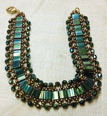 Shiny: Beading Tila Beads, Beads Bracelets, Beaded Bracelets, Seed Beads, Seeds, Tíla Beads, Neat Beads