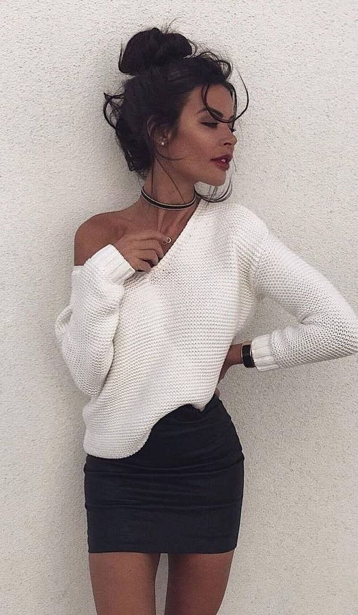 Cool 41 Cool Winter Party Outfits Ideas. More at http://aksahinjewelry.com/2018/01/14/41-cool-winter-party-outfits-ideas/