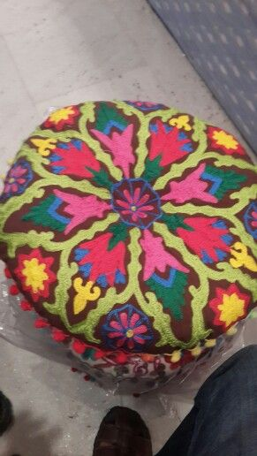 Cushion covers 40x40 cm wholesale suppliers price 650 with fill cushion pls whatapp mobile phone india  09871044090