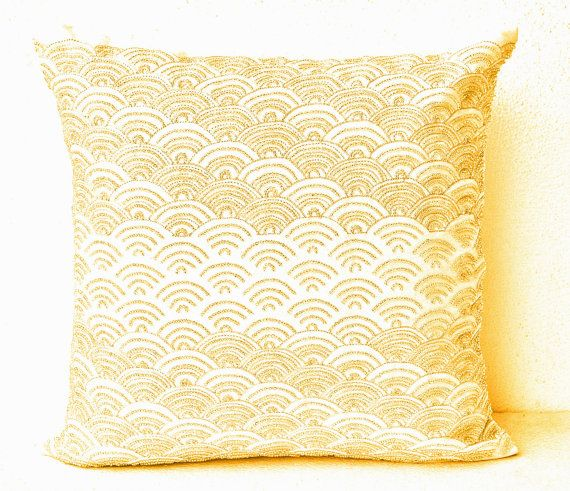 White Cream Throw Pillows : Best 25+ Cream throws ideas on Pinterest