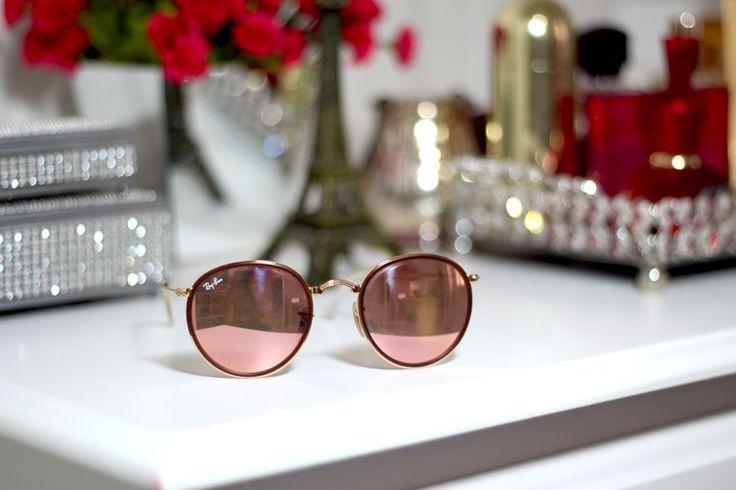 Um luxo de Ray Ban! O redondinho mais vendido em nosso site, venha comprar o seu: www.oticaswanny.com #rayban #espelhado #round #redondinho #solar #oticaswanny