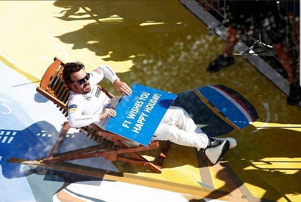 L'immagine dedicata a Fernando Alonso ai piedi del podio dell'Hungaroring parla da sè. Complici gli