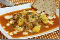 10-Paprikáš s kysaným zelím, brambory a smetanou