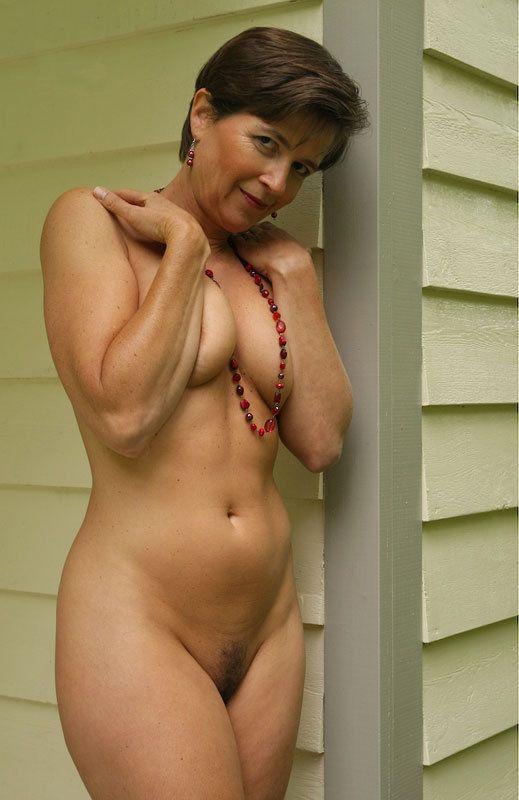 MELANIEQ1990 mature female single fucked; great