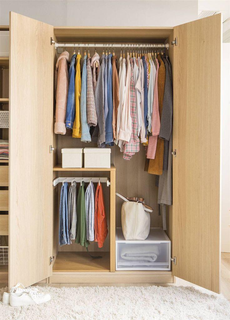 Cómo crear un armario cápsula con solo 33 prendas Capsule Outfits, Beauty Case, Konmari, Vide, Life Organization, Apartment Living, Wardrobe Rack, Sweet Home, Interior Design