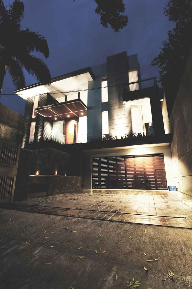 Project: LHS House Location: Bandung, Indonesia Site Area: 528 m2 Building Area: 500 m2 Design Phase: 2008 Construction Phase:2008-2010  #bandung #jakarta #architecture #architectindonesia #archdaily