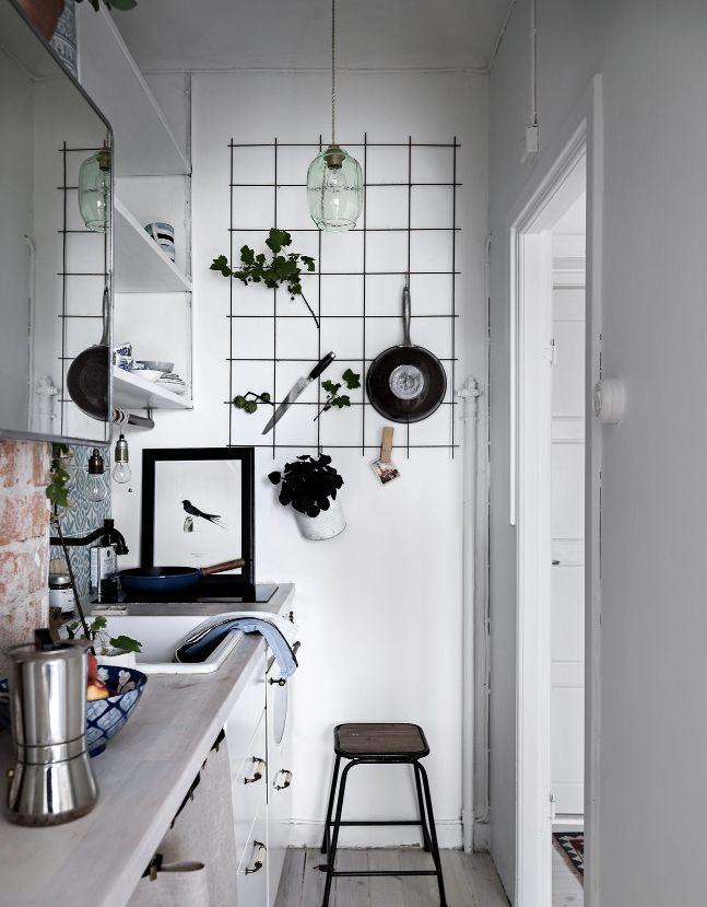 Stylish small studio - via Coco Lapine Design