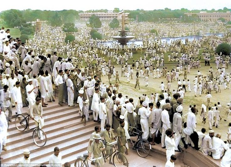Thousands of people gather in New Delhi to celebrate the first day of Indian independence. The stroke of midnight on August 14, 1947, officially ended British rule, creating Pakistan along with an independent India