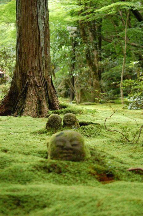京都 三千院。わらべ地蔵。