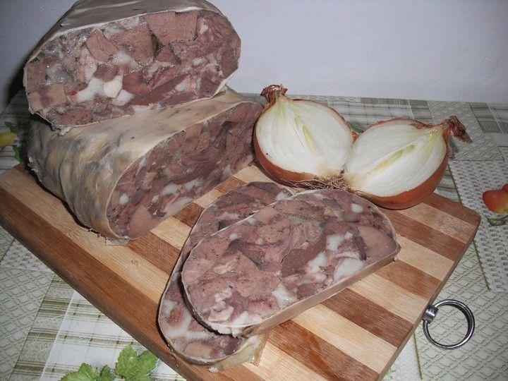 A házias, vidékies ételek kedvelői ezért rajongani fognak! A saját konyhádban is könnyedén készíthetsz disznósajtot, nem kell hozzá különleges...