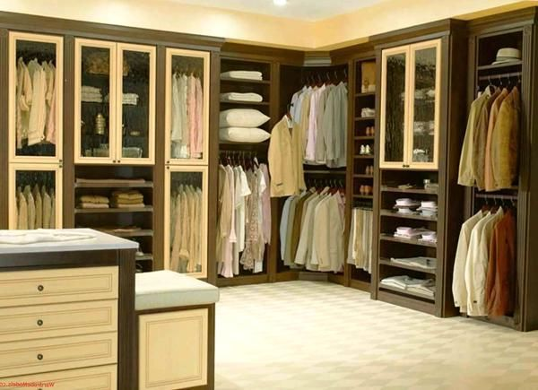 33 walk in closet design ideas to find solace in master bedroom walk in closet master for Bedroom walk in closet designs