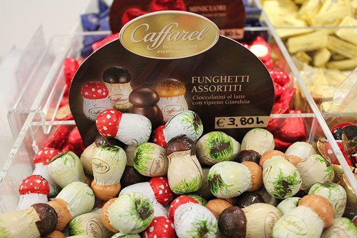 Cioccolatini FUNGHETTI ASSORTITI marca Caffarel - http://www.caffeciok.it/wp001_caffeciok_ecommerce/shop/cioccolata/cioccolatini-funghetti-assortiti-marca-caffarel/